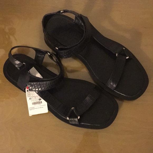 NWT Zara Straps Sandals
